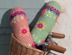 Cale-nuque fleuri Balade à vélo