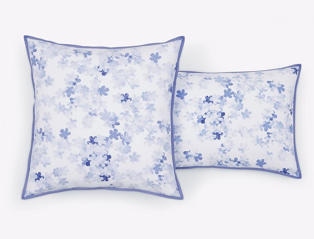 linge de lit petite fleur bleue. Black Bedroom Furniture Sets. Home Design Ideas