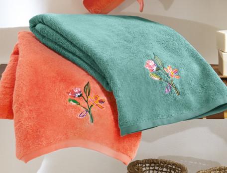 Badtextilien mit Blumenstickerei aus 100% Baumwolle