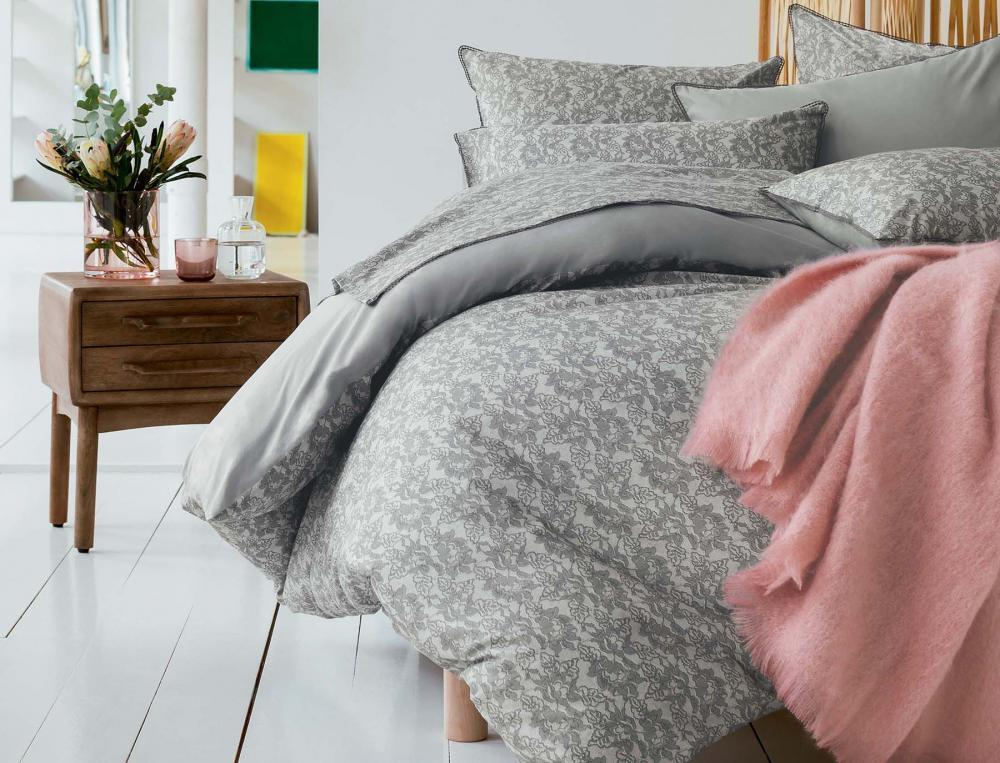 bettw sche mit motiv rosen spitze linvosges. Black Bedroom Furniture Sets. Home Design Ideas