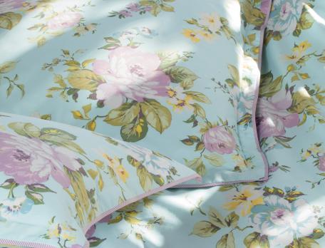 Linge de lit fleurs et rayures Camellia