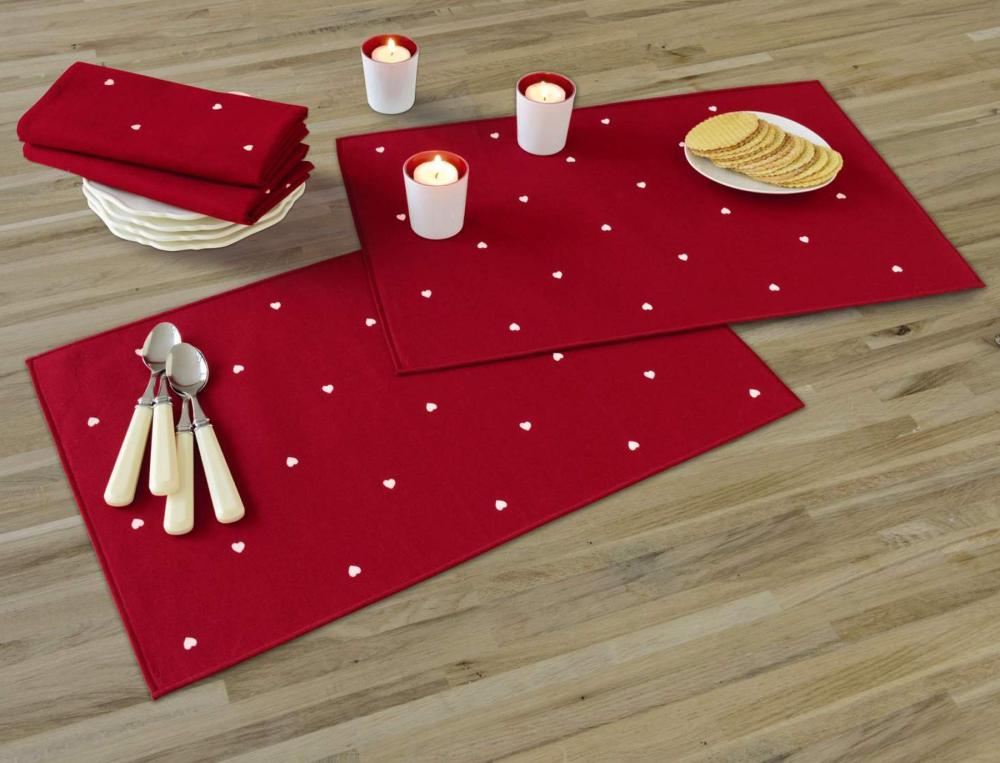 2 sets de table et 2 serviettes Coeur de Noël