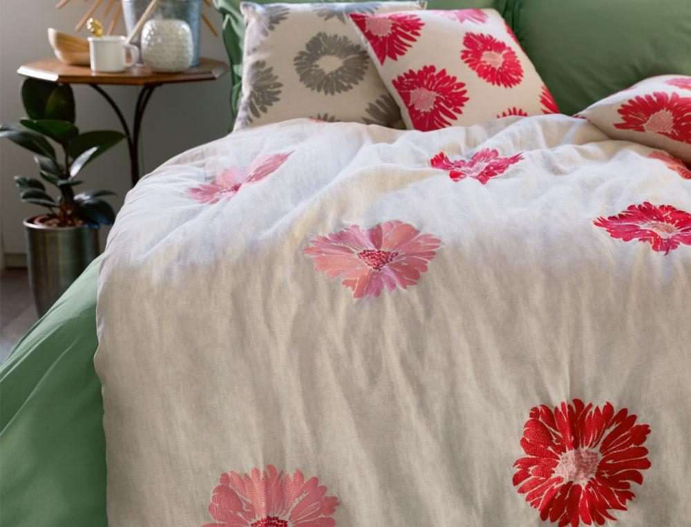 courtepointe la maison des r ves linvosges. Black Bedroom Furniture Sets. Home Design Ideas