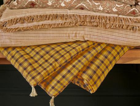 Courtepointe à carreaux ou rayée tissé-teint Sous le châtaignier