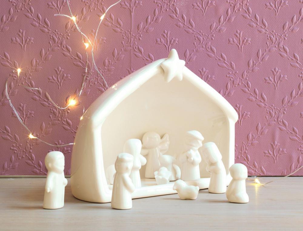 Crèche en porcelaine Noël à Londres