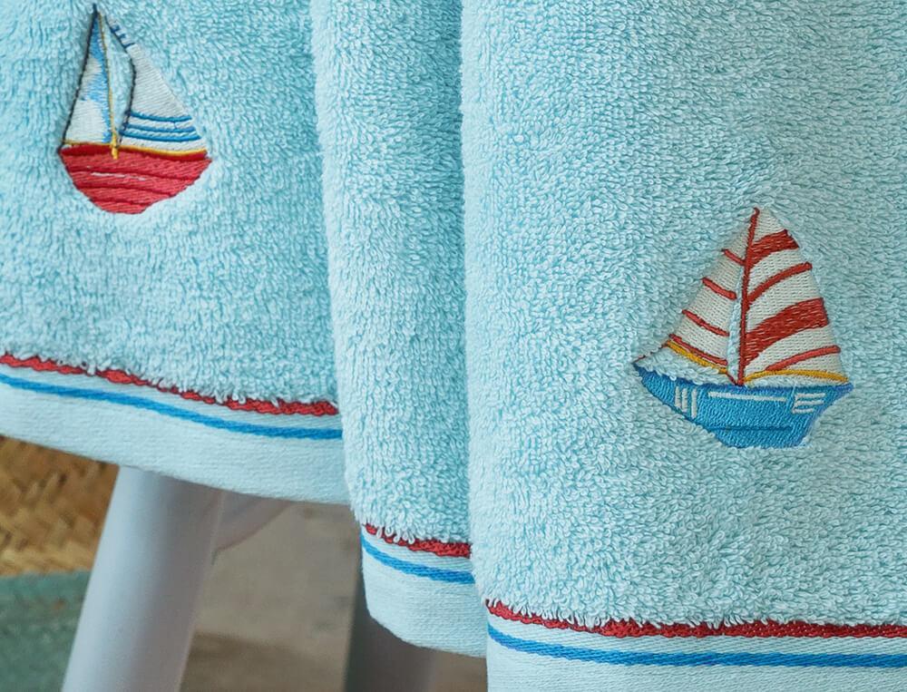 Drap de bain brodé enfant Promenade en mer