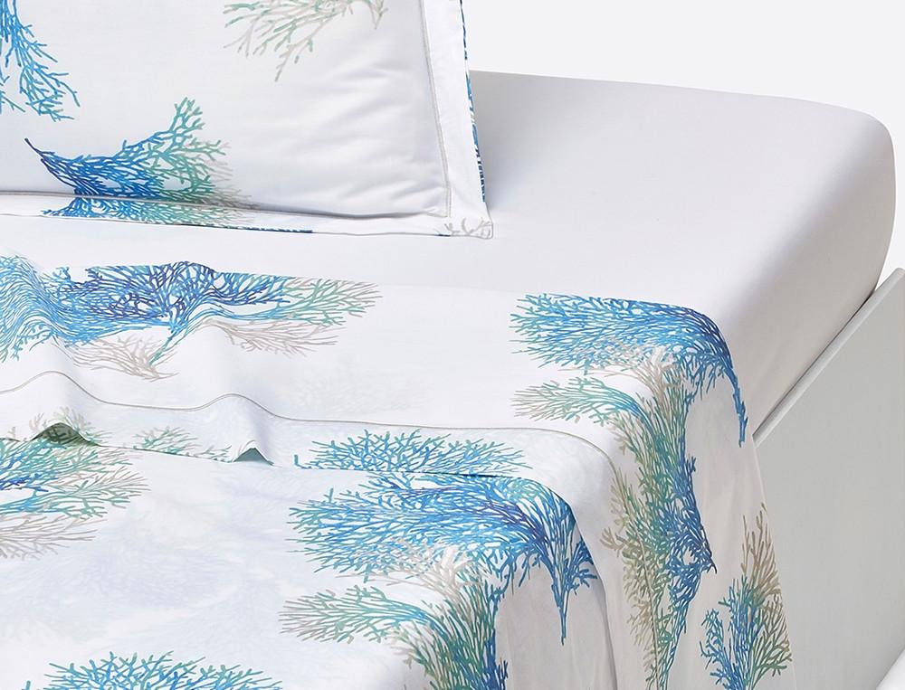 Drap percale blanc imprimé coraux bleus Mer du Sud