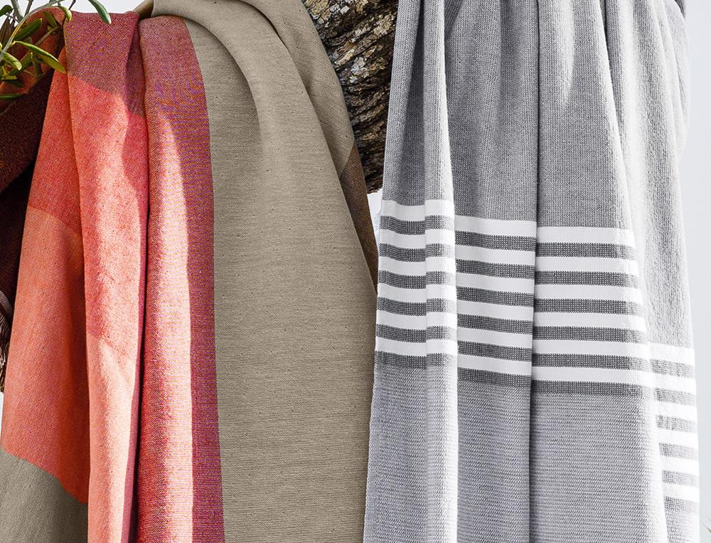 Fouta gris rayée ou fouta larges rayures multicolores Roussillon