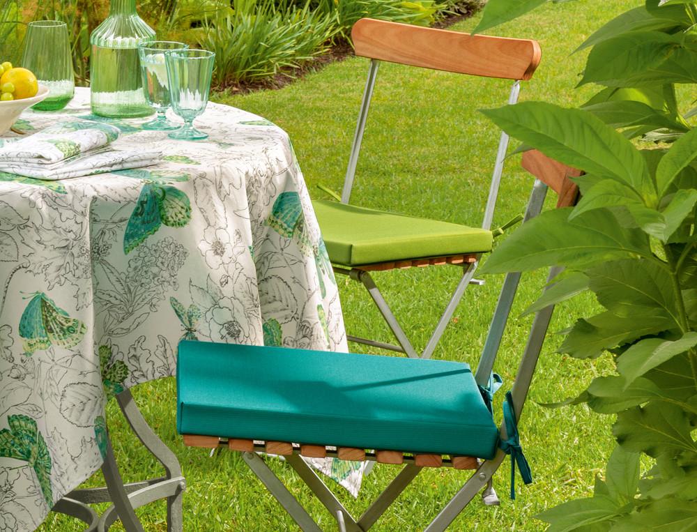 2 cousins de chaises unis enduits Jardin des papillons