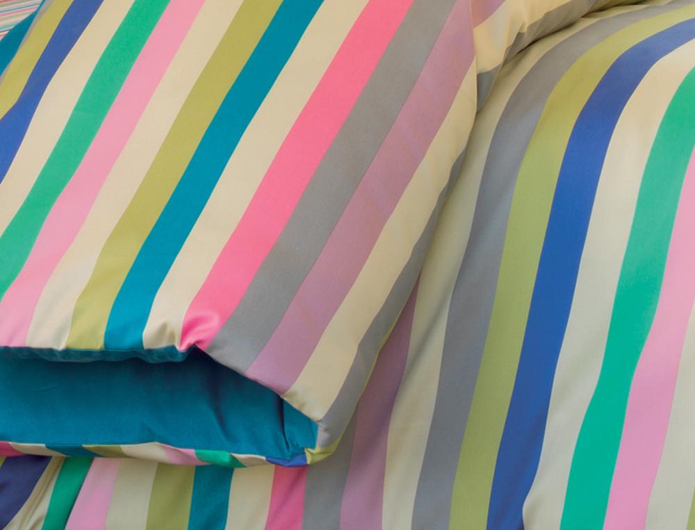 Housse de couette satin réversible imprimé grandes rayures et dos uni bleu San Francisco