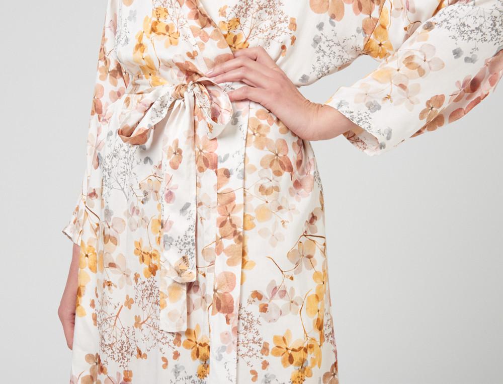 Kimono Blumenmotiv Schilfgras