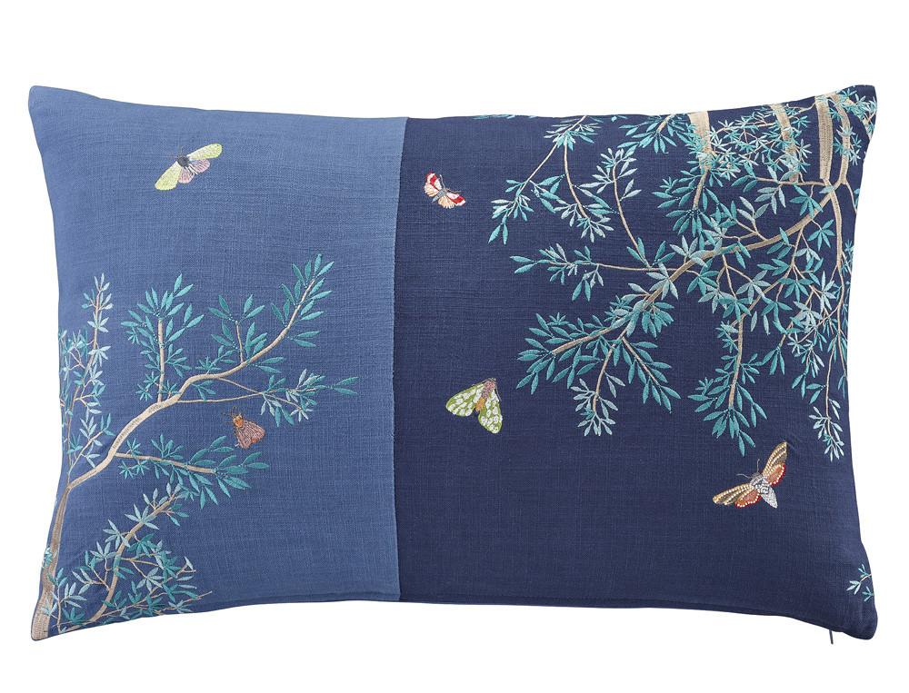 Dekokissen blau bestickt Japanischer Garten