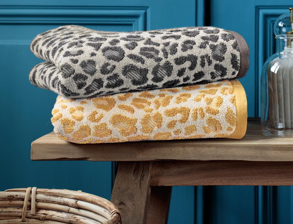 Linge de bain motif jacquard léopard Douce évasion