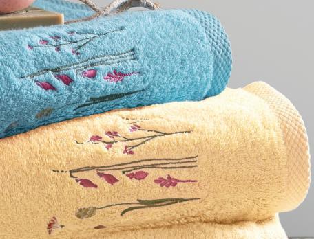 Linge de bain brodé 100% coton Saveurs de fleurs
