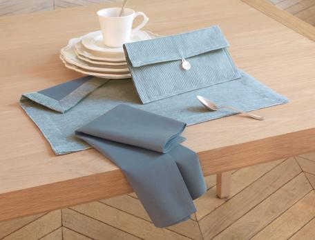 Pochette et lot set et serviette de table bleu Chef