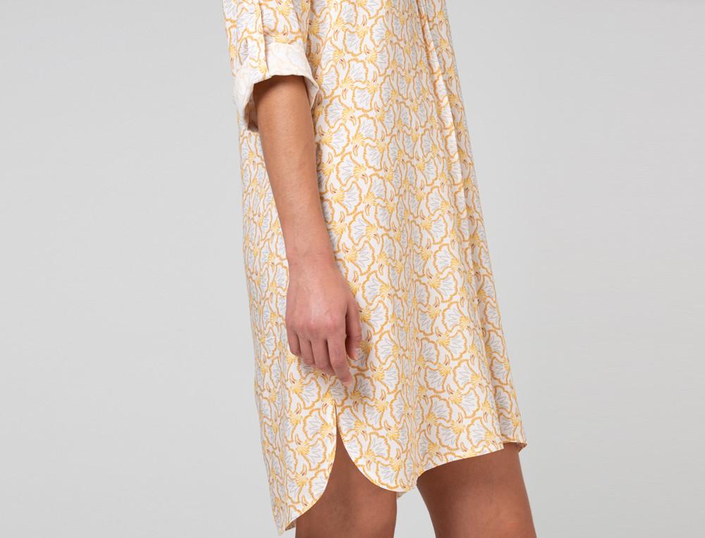 Nachthemd ecrufarben aus Viskose