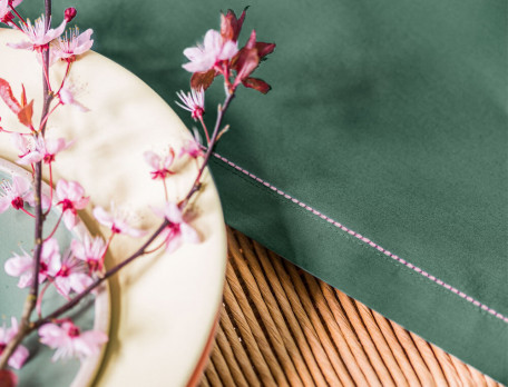 Nappe émeraude brodée popeline 100% coton Nature élégante