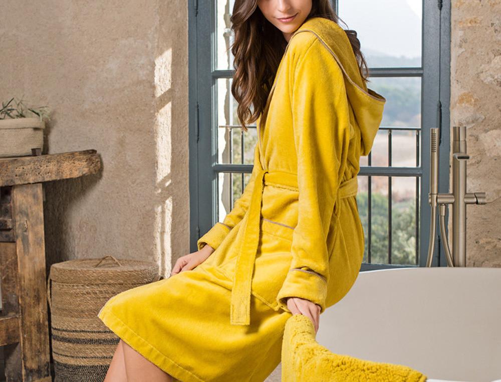 Peignoir 90% coton coloris citron avec capuche Chlorophylle