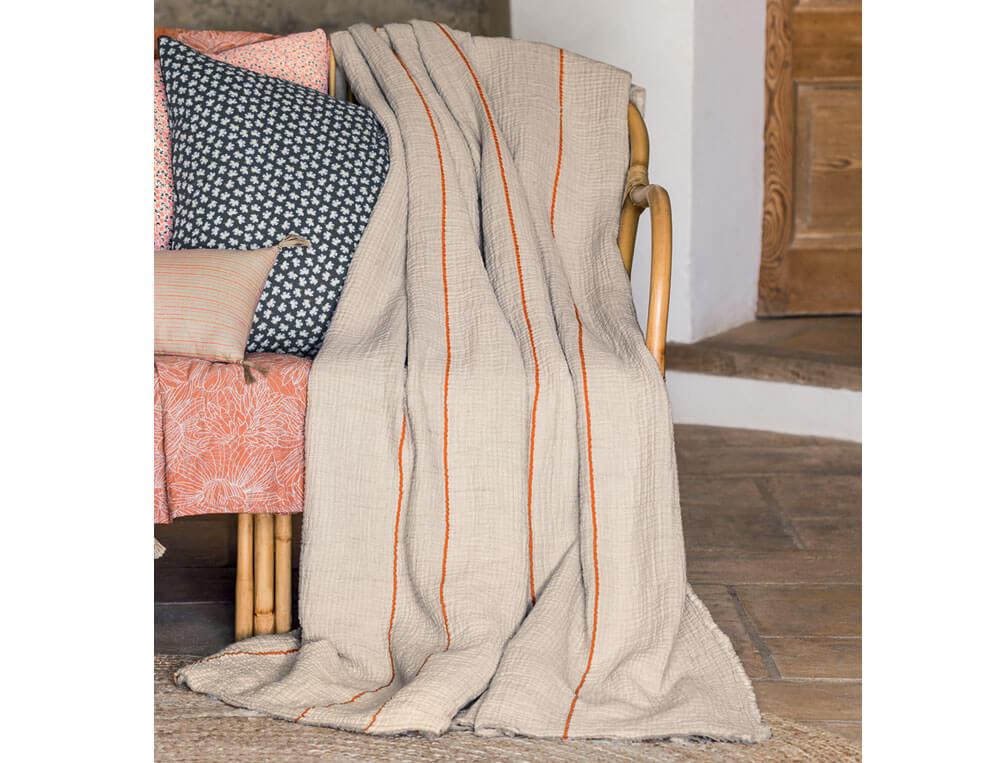 Plaid et jeté de lit en gaze de coton tissée sable Triple jeux