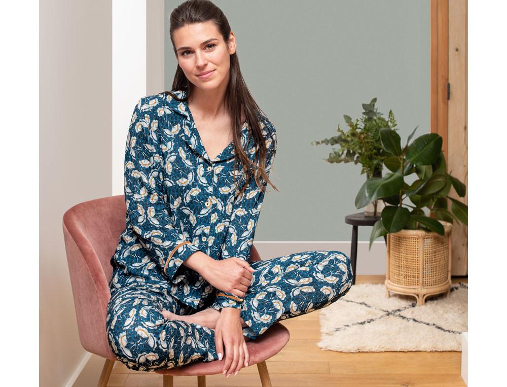 Damenpyjama Pflanzenmotiv Bunte Träume