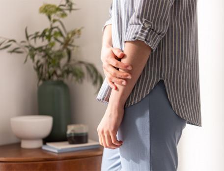 Pyjama et pyjama short femme rayé tissé-teint et uni jersey bleu Reflets bleus