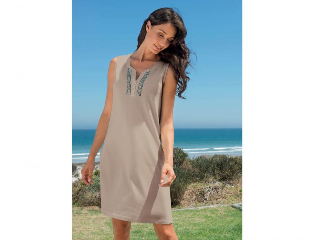 Robe de plage brodée Les galets de Collioure