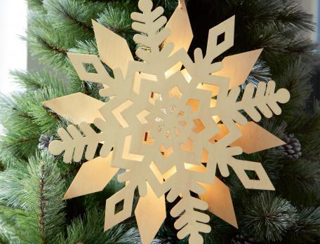 Suspension lumineuse flocons Noël à Londres