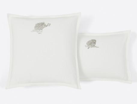 Taie d'oreiller flanelle ivoire brodée hérissons Histoire de famille