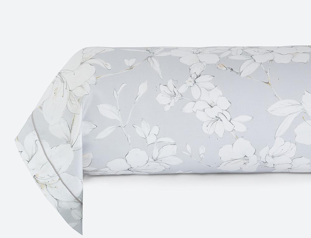 Taie de traversin satin imprimé gris Fleurs de vanille