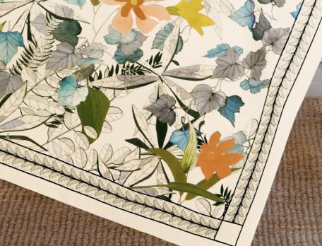Tischdecke Blumenmotiv Blütezeit