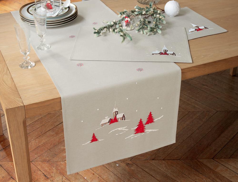 Tischwäsche Weihnachtsdorf mit Fleckschutz