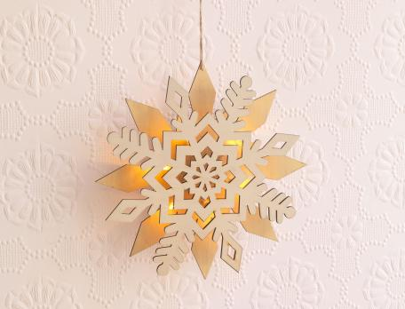 Weihnachtsschmuck Schneeflocken-Hängeleuchte O Tannenbaum