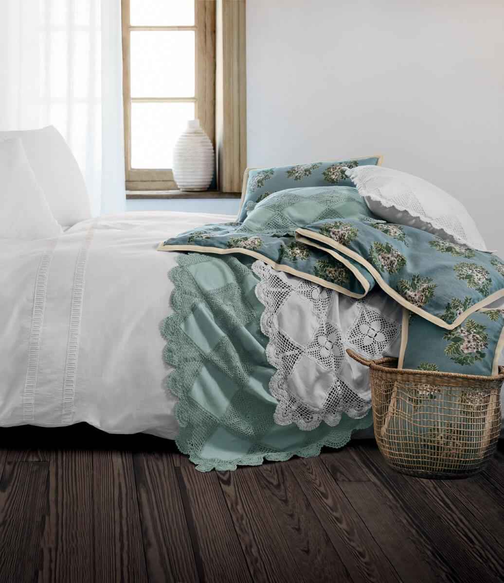 Couvre-lit, boutis, jeté de lit, courtepointe et édredon