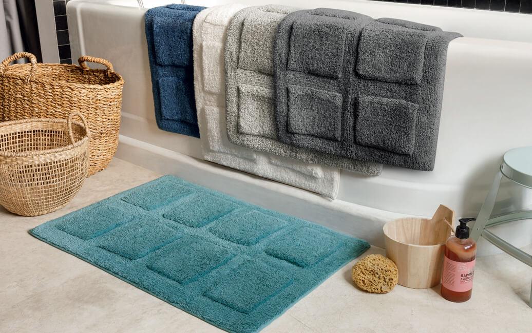 Le tapis de bain par Linvosges